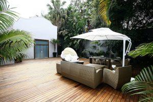 patio cantilever umbrella